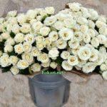 Букет мелких светлых роз