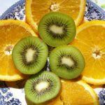 Аппетитные дольки апельсинов и киви