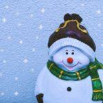 Новогодняя фигура снеговика. Украшение для дома, сада
